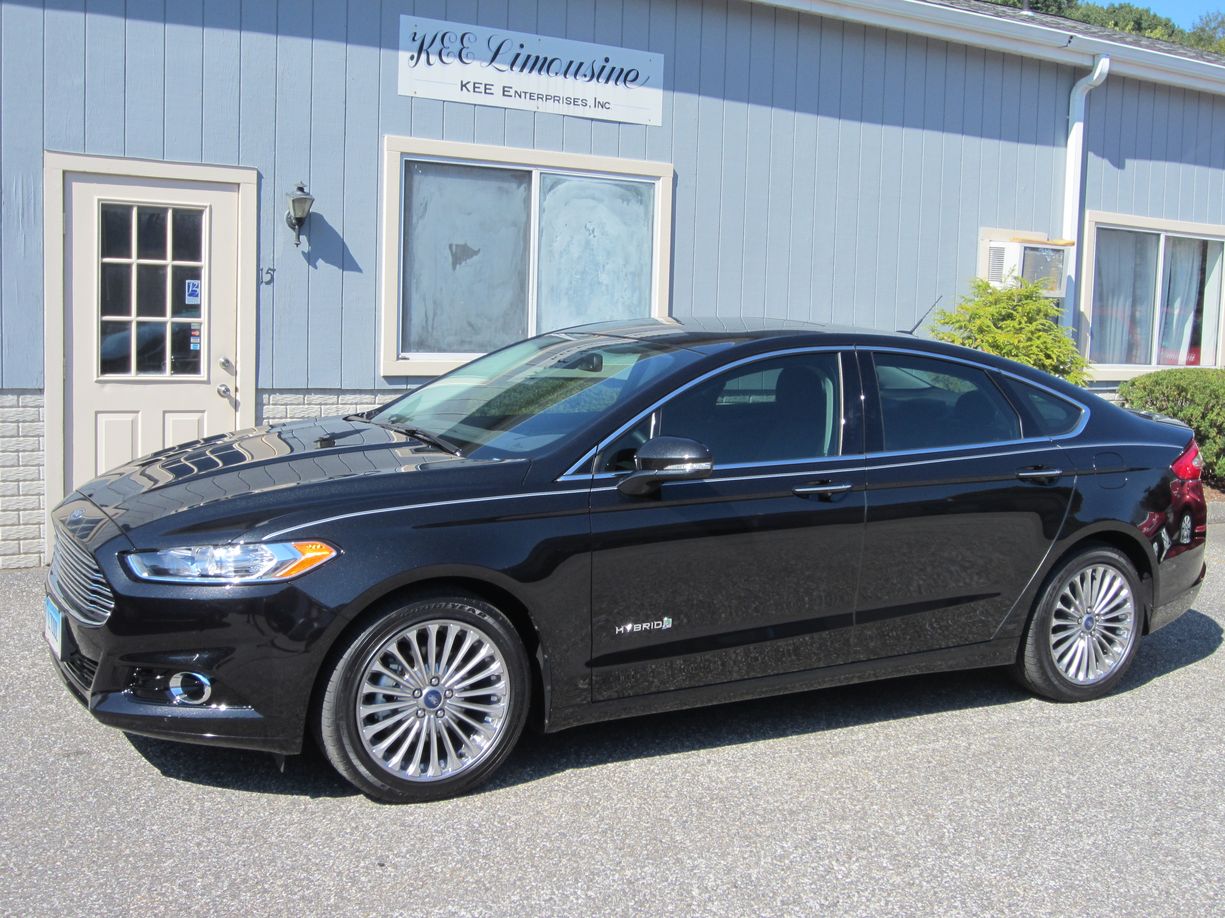 Fusion Hybrid Sedans Kee Limousine And Airport Car Service